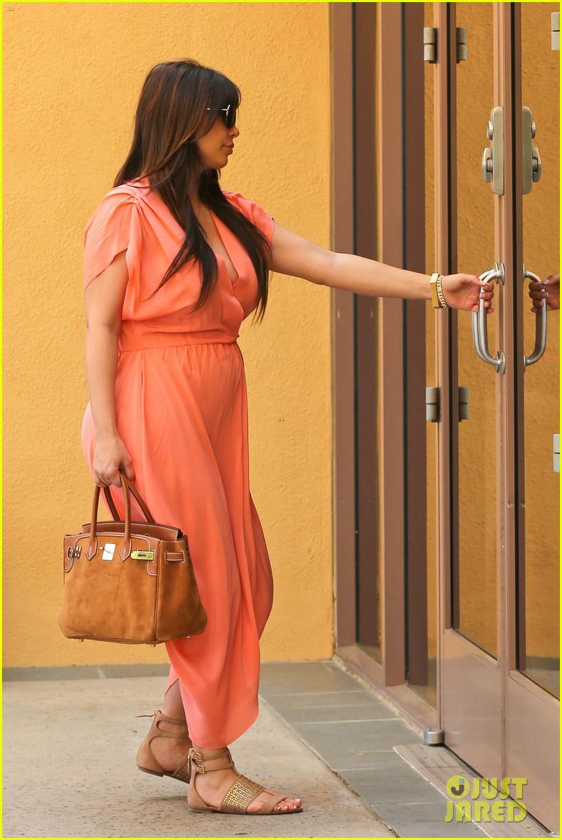 pregnant kim kardashian sunday family church service 172844940