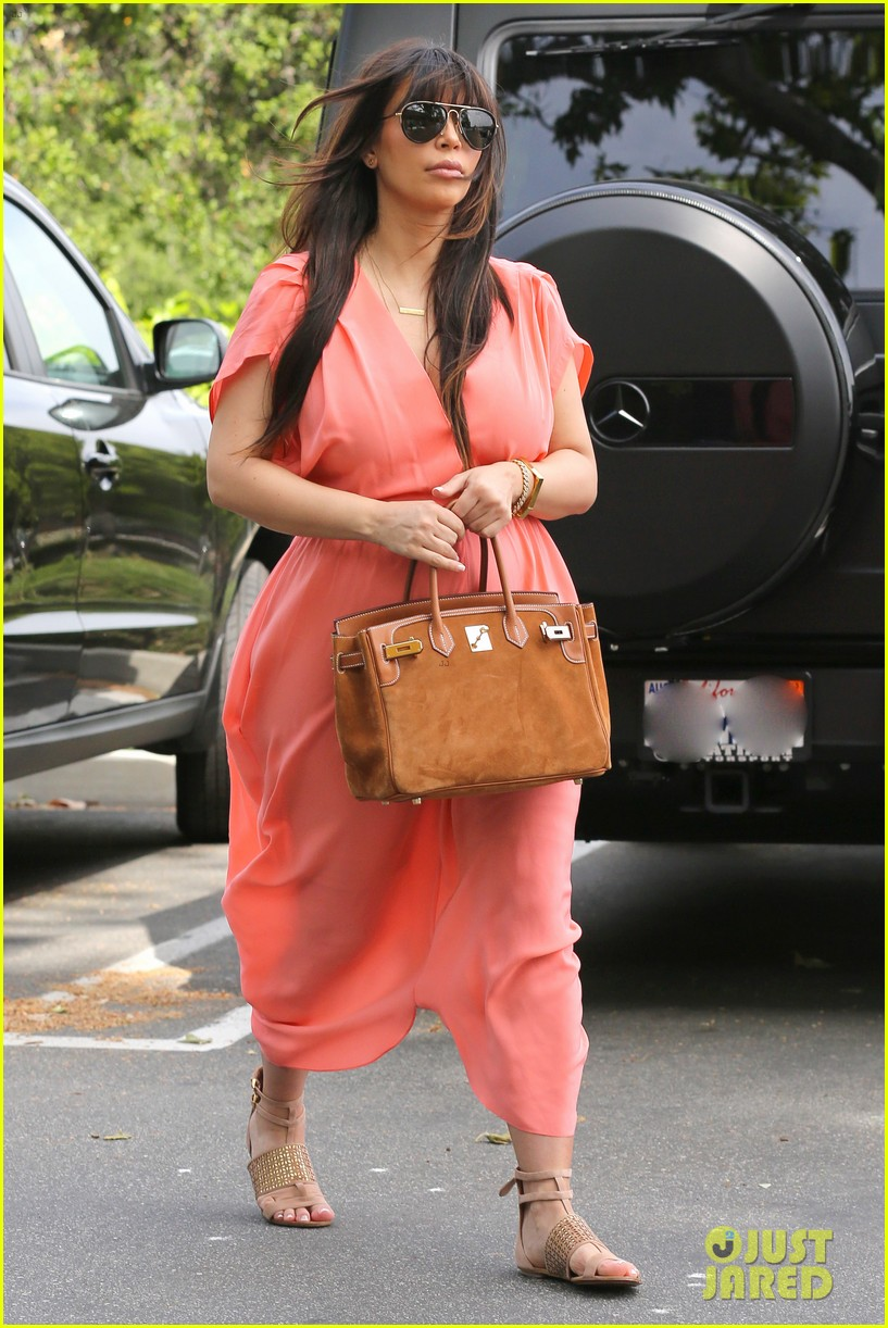 pregnant kim kardashian sunday family church service 202844943