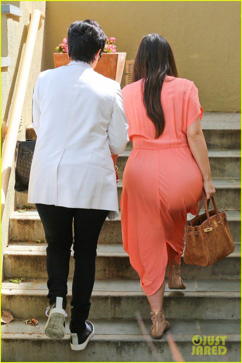 pregnant kim kardashian sunday family church service 22