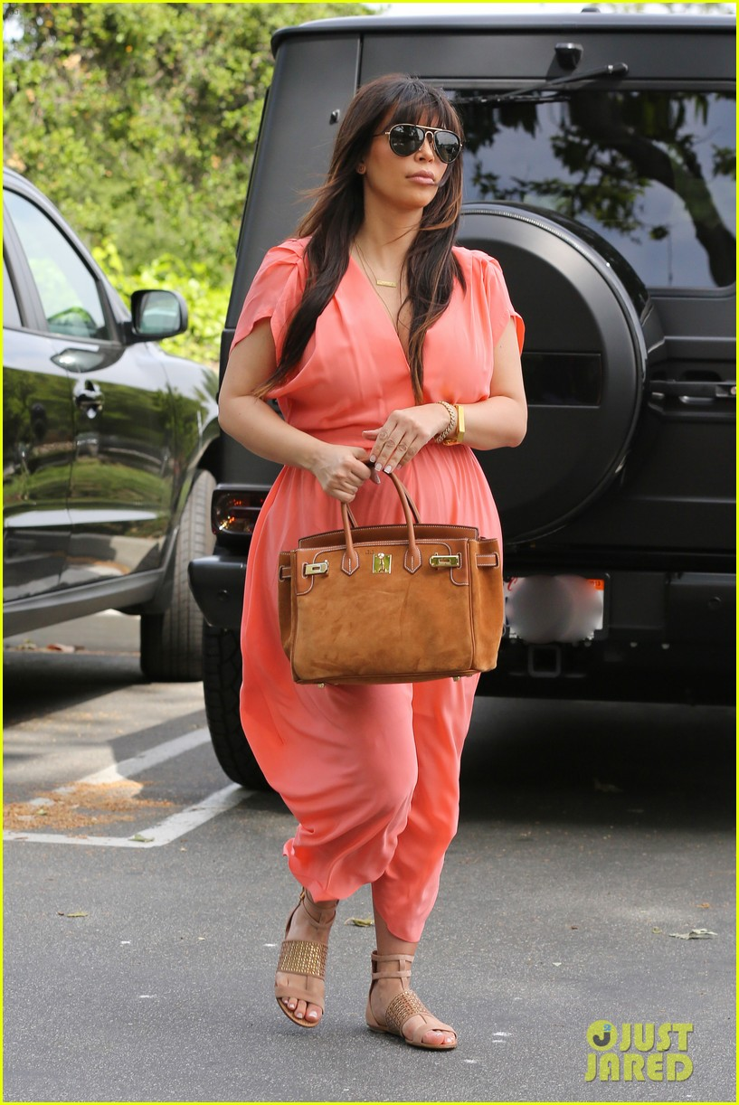 pregnant kim kardashian sunday family church service 272844950