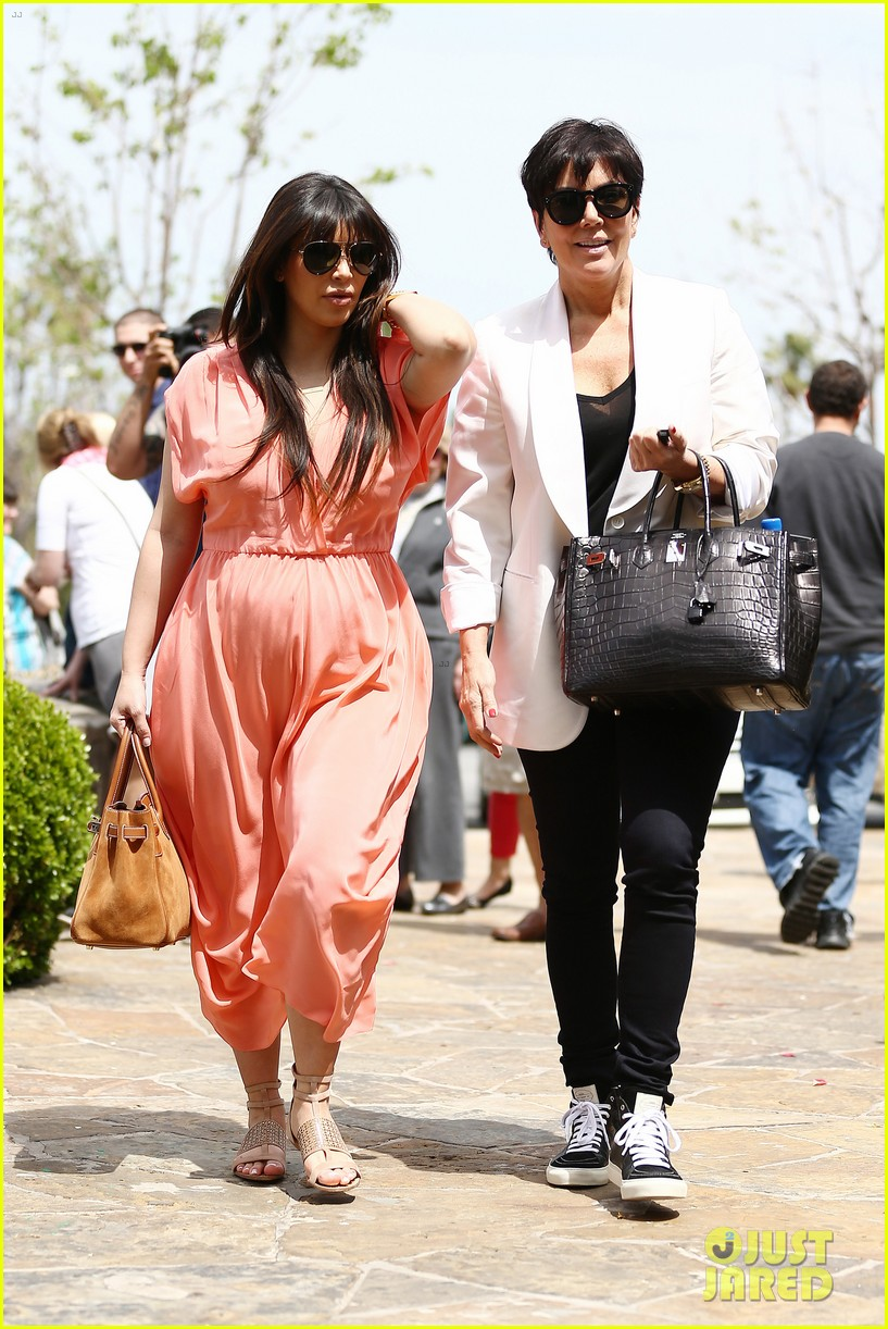 pregnant kim kardashian sunday family church service 302844953