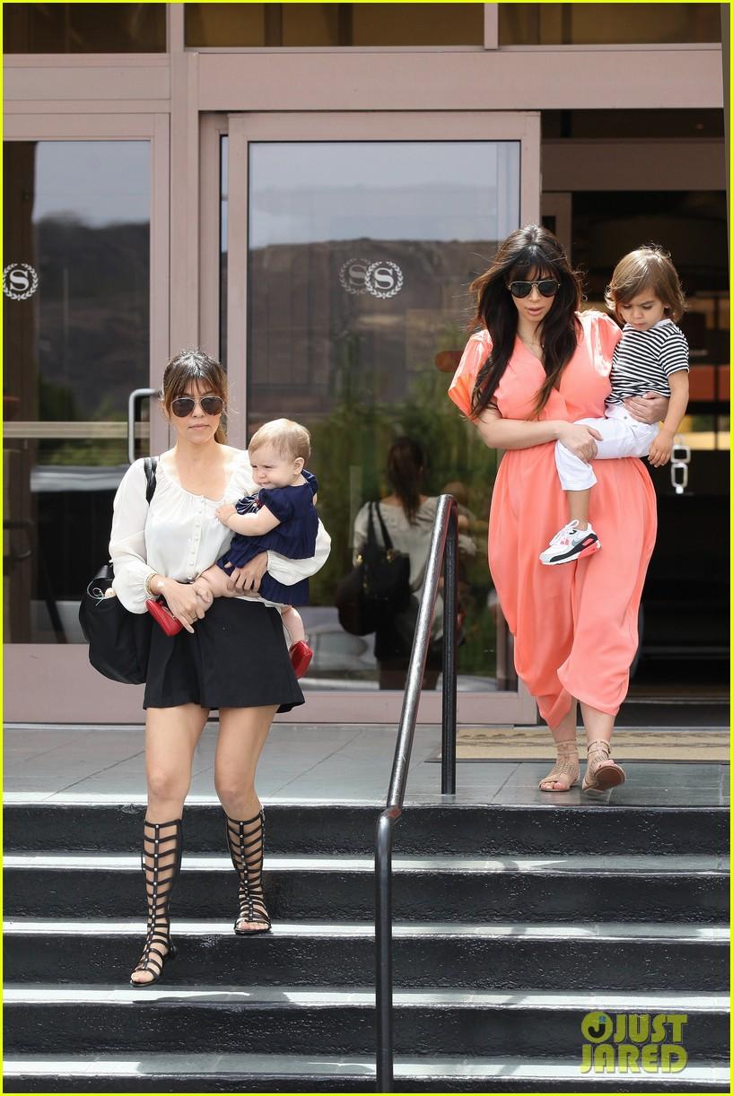 pregnant kim kardashian sunday family church service 322844955