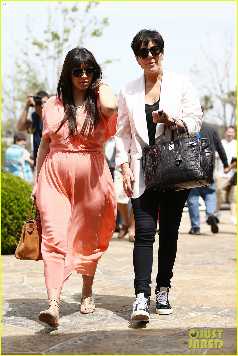 pregnant kim kardashian sunday family church service 392844962