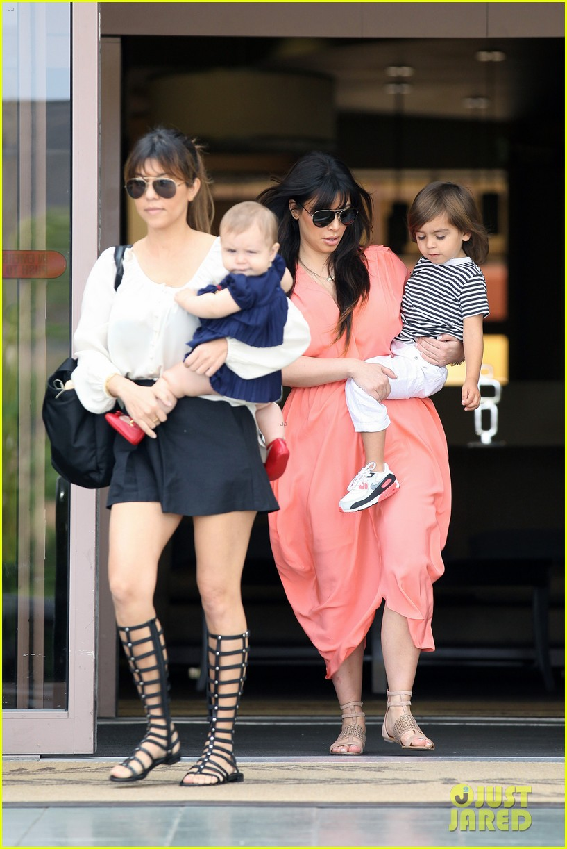 pregnant kim kardashian sunday family church service 402844963