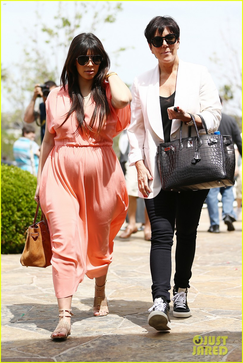 pregnant kim kardashian sunday family church service 422844965