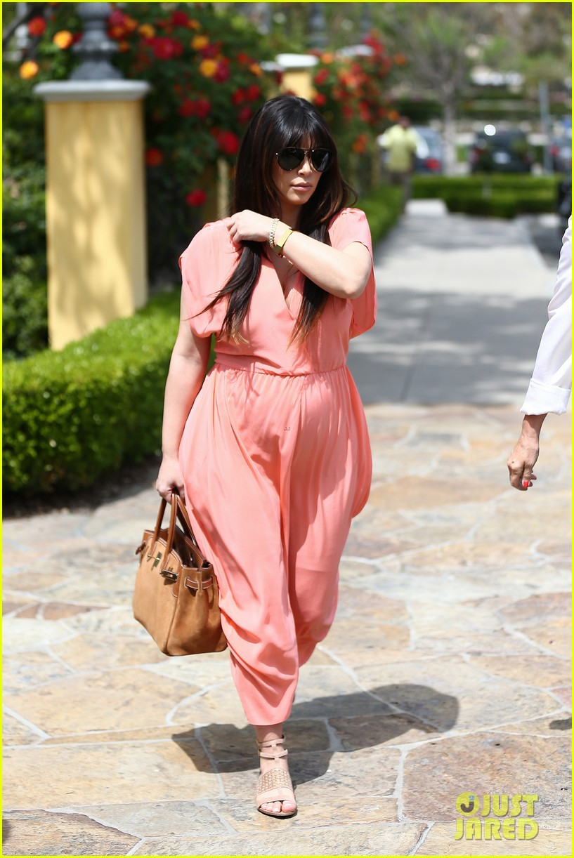 pregnant kim kardashian sunday family church service 432844966