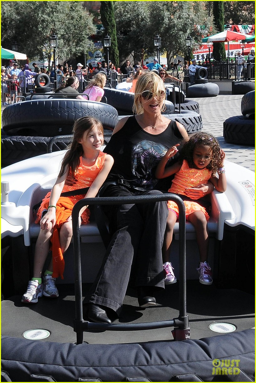 heidi klum martin kirsten disneyland fun with the kids 052844006