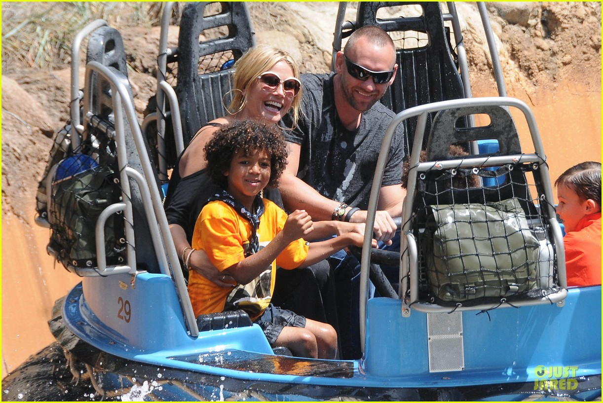 heidi klum martin kirsten disneyland fun with the kids 062844007
