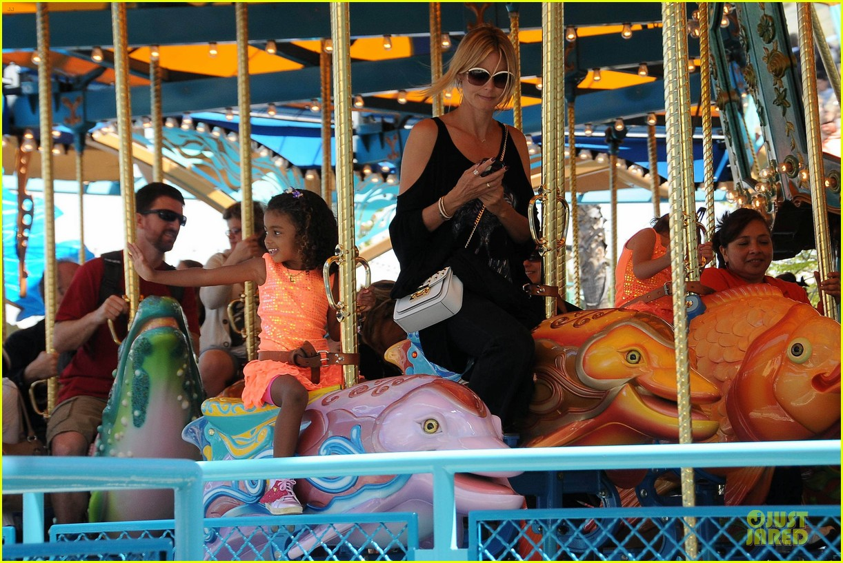 heidi klum martin kirsten disneyland fun with the kids 11