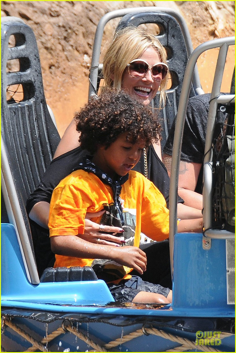 heidi klum martin kirsten disneyland fun with the kids 162844017