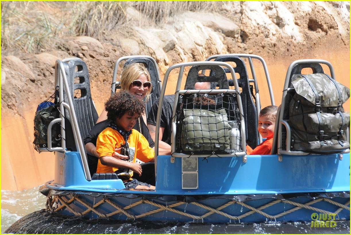 heidi klum martin kirsten disneyland fun with the kids 192844020