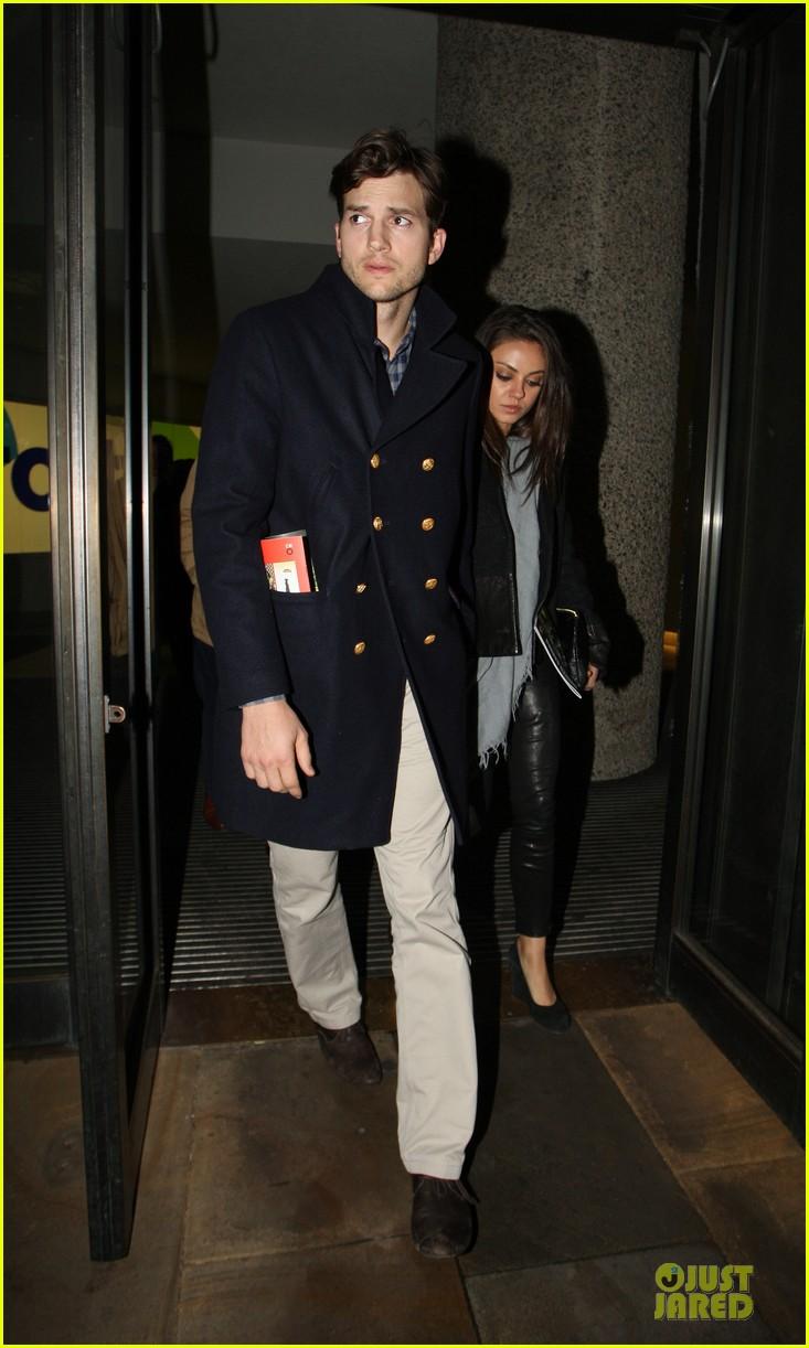 milia kunis ashton kutcher holding hands in london 012848462