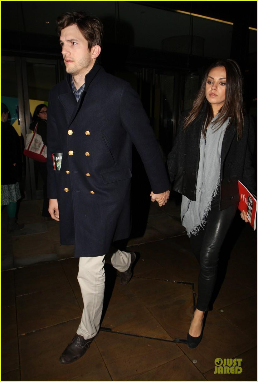 milia kunis ashton kutcher holding hands in london 032848464