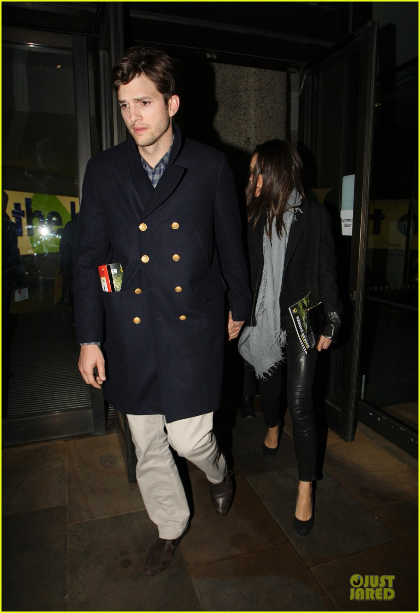 milia kunis ashton kutcher holding hands in london 082848469