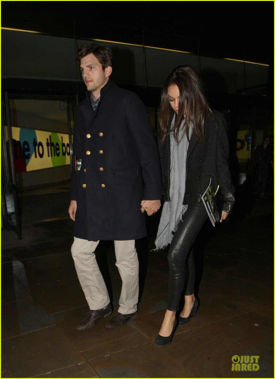 milia kunis ashton kutcher holding hands in london 142848475