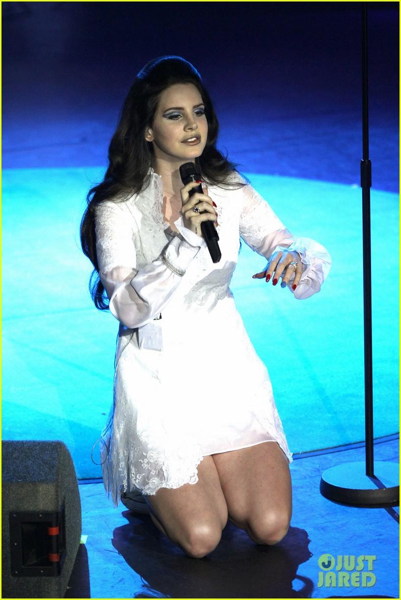 lana del rey paris concert stop 062859909