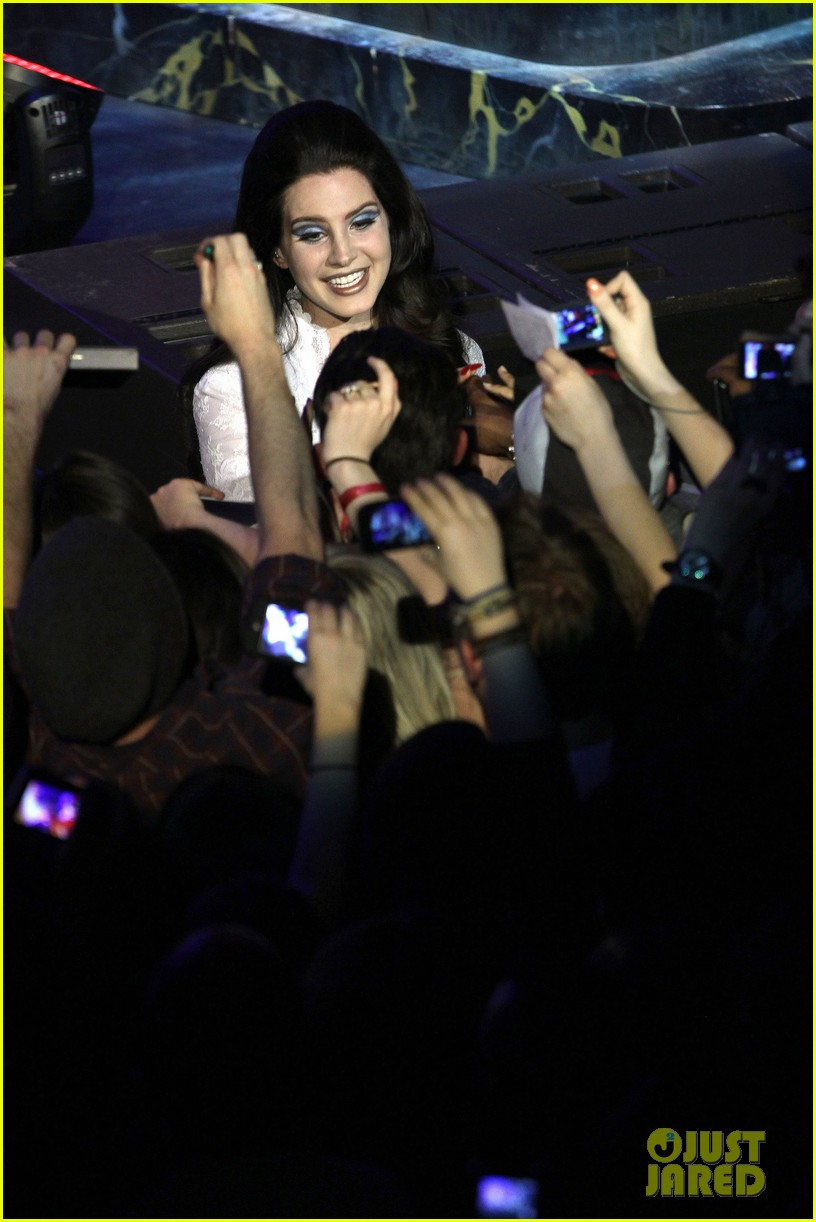 lana del rey paris concert stop 202859923