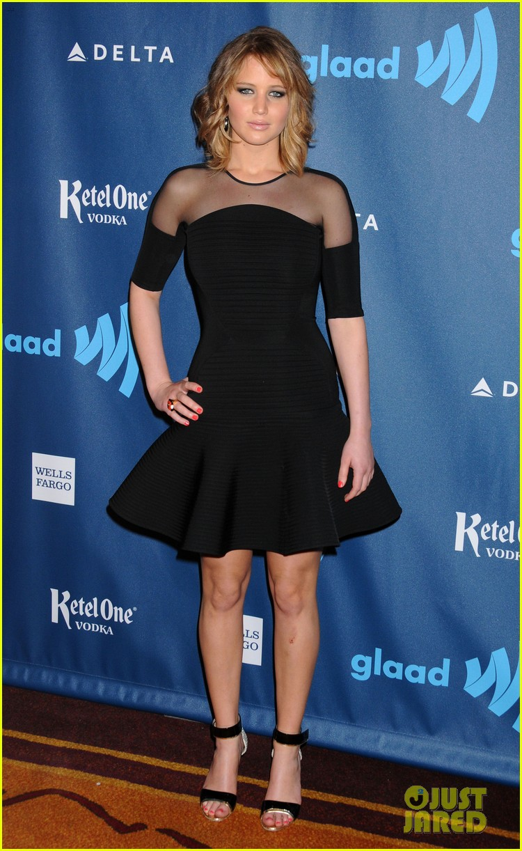 jennifer lawrence new short hair at glaad media awards 2013 012854442