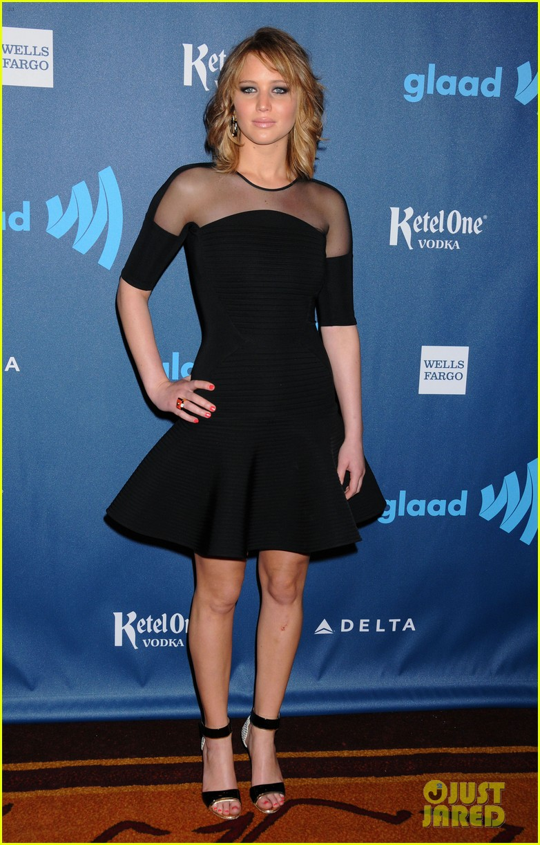 jennifer lawrence new short hair at glaad media awards 2013 032854444