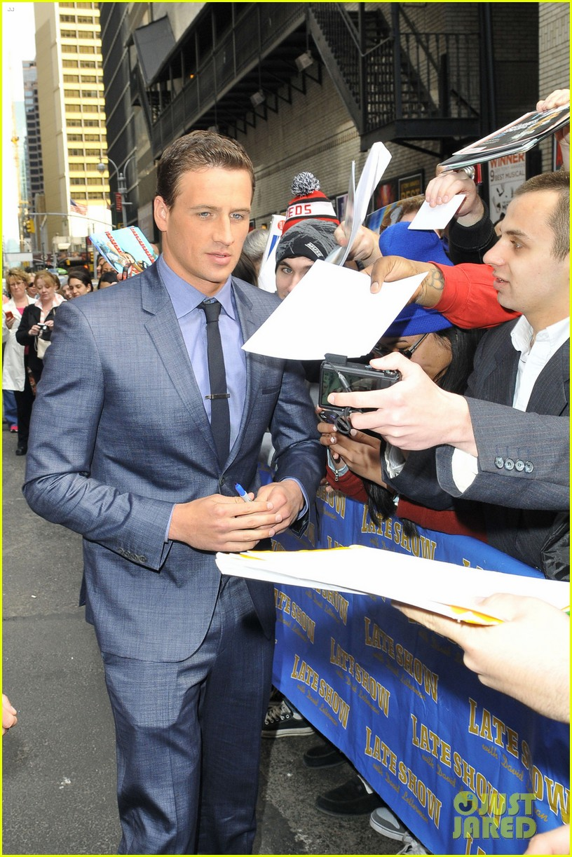 ryan lochte late show with david letterman visit 012856339