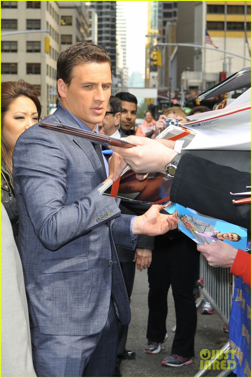 ryan lochte late show with david letterman visit 032856341