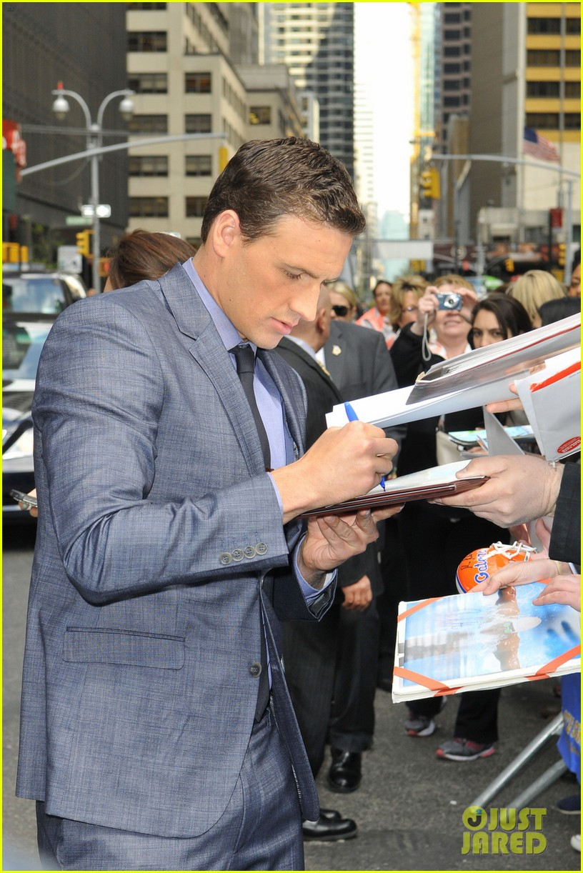 ryan lochte late show with david letterman visit 092856347