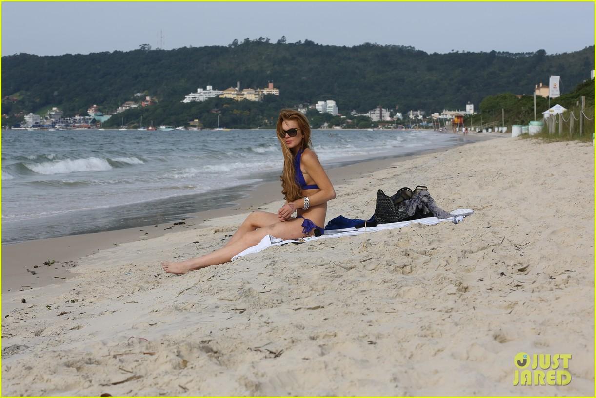lindsay lohan bikini beach babe in brazil 36