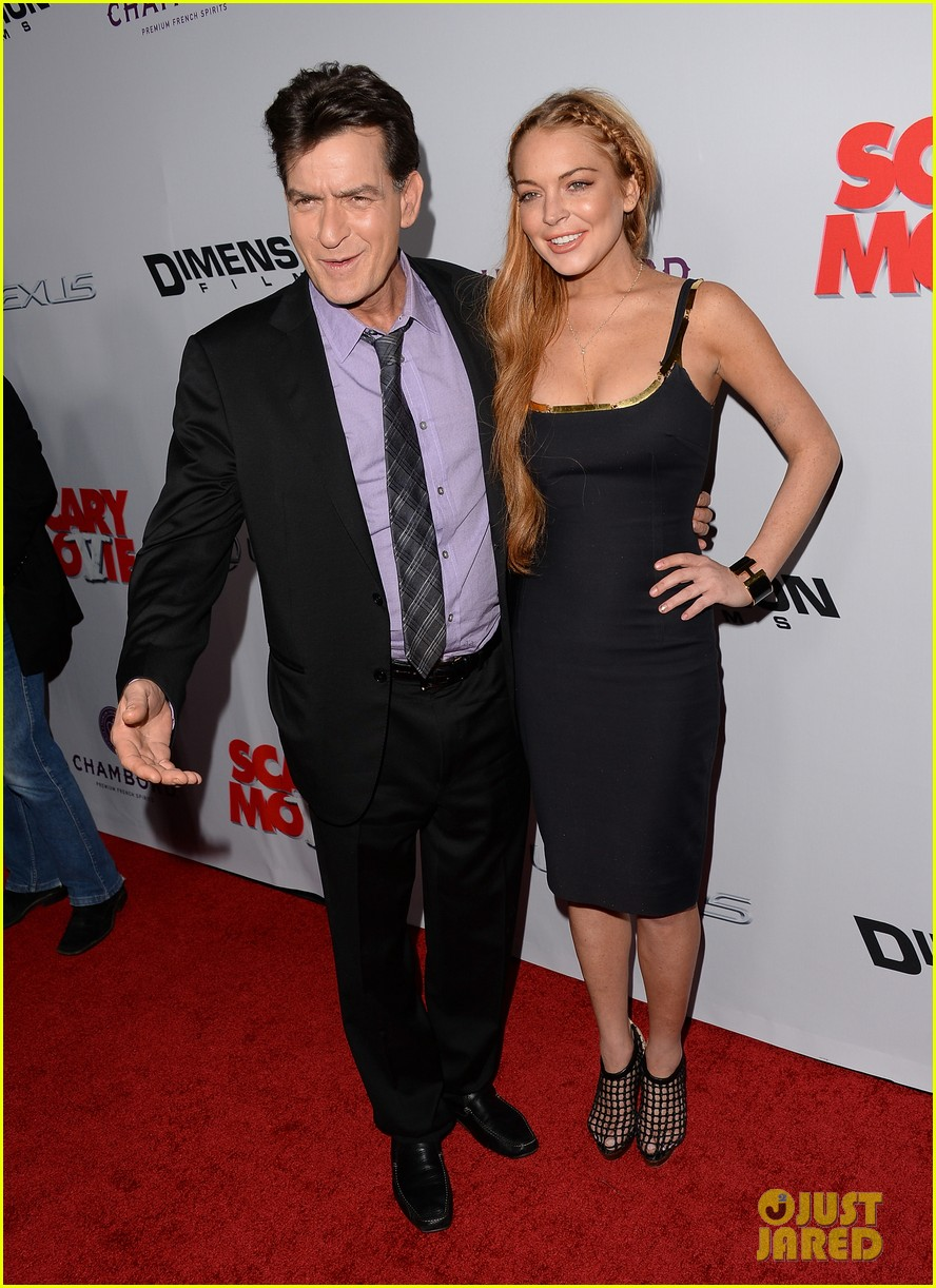 lindsay lohan scary movie 5 premiere with charlie sheen 032848027