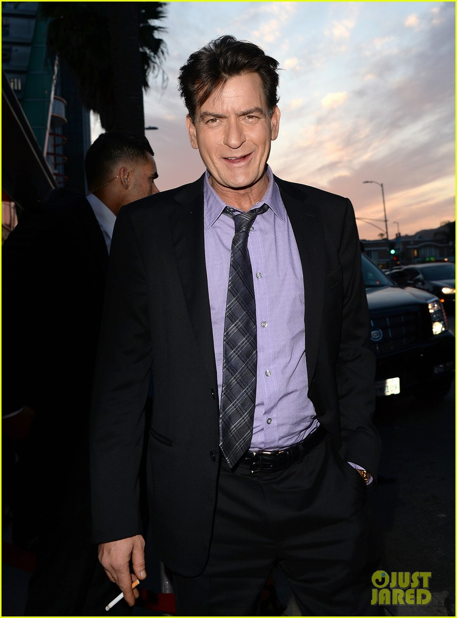 lindsay lohan scary movie 5 premiere with charlie sheen 052848029