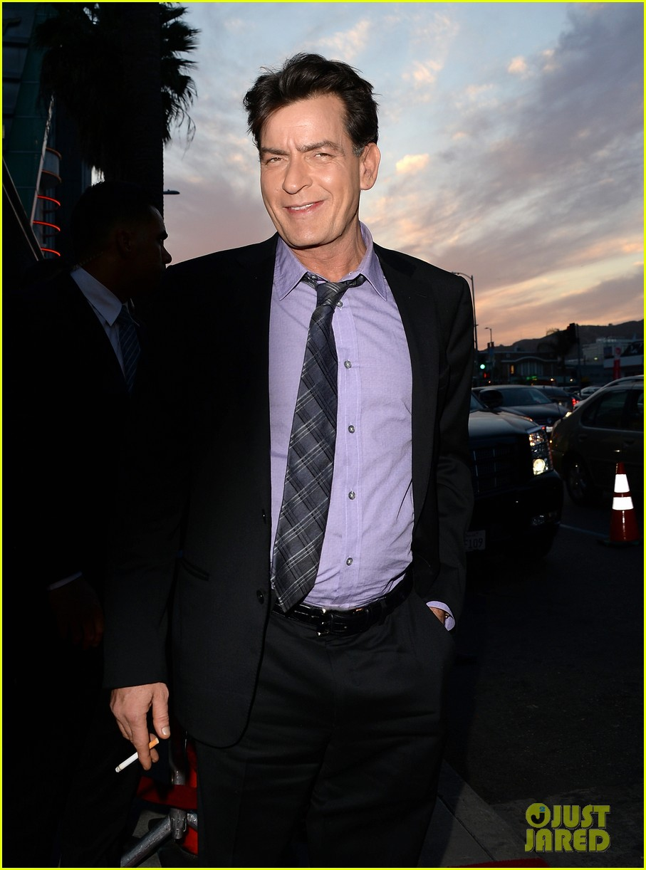 lindsay lohan scary movie 5 premiere with charlie sheen 082848032