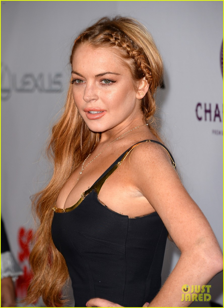 lindsay lohan scary movie 5 premiere with charlie sheen 122848036