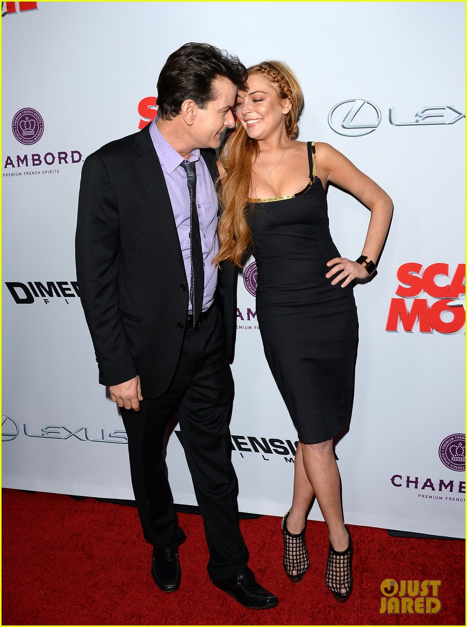 lindsay lohan scary movie 5 premiere with charlie sheen 182848042