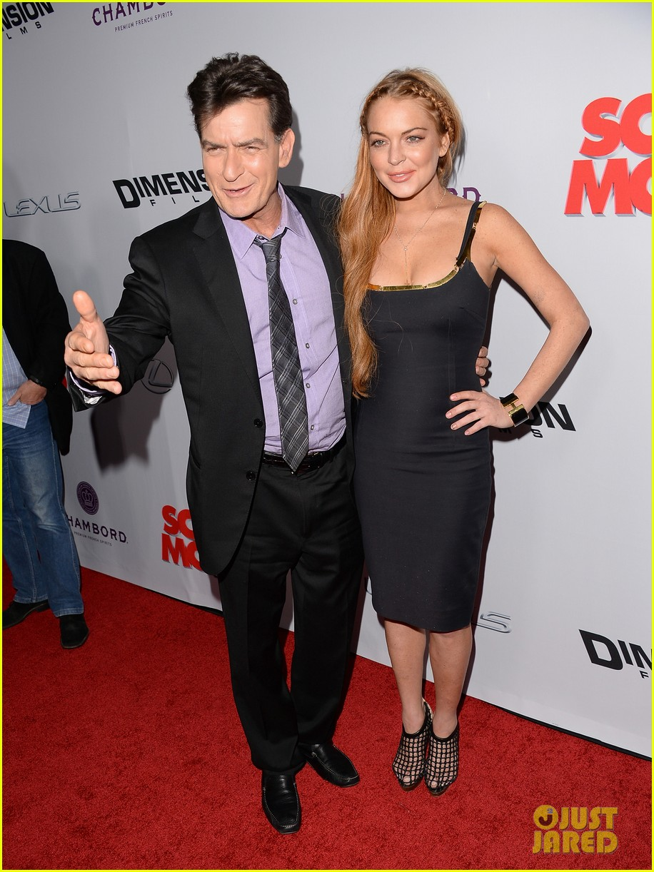 lindsay lohan scary movie 5 premiere with charlie sheen 202848044