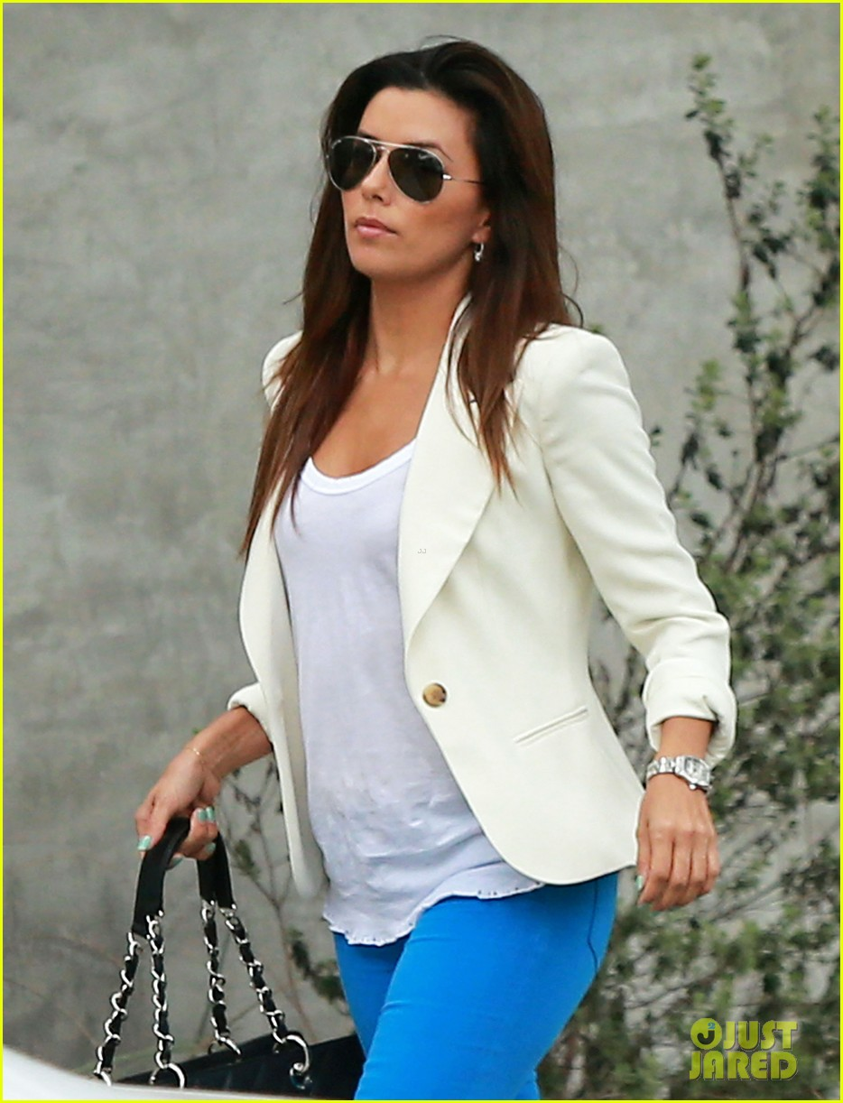 eva longoria errands before food chains fundraiser 02