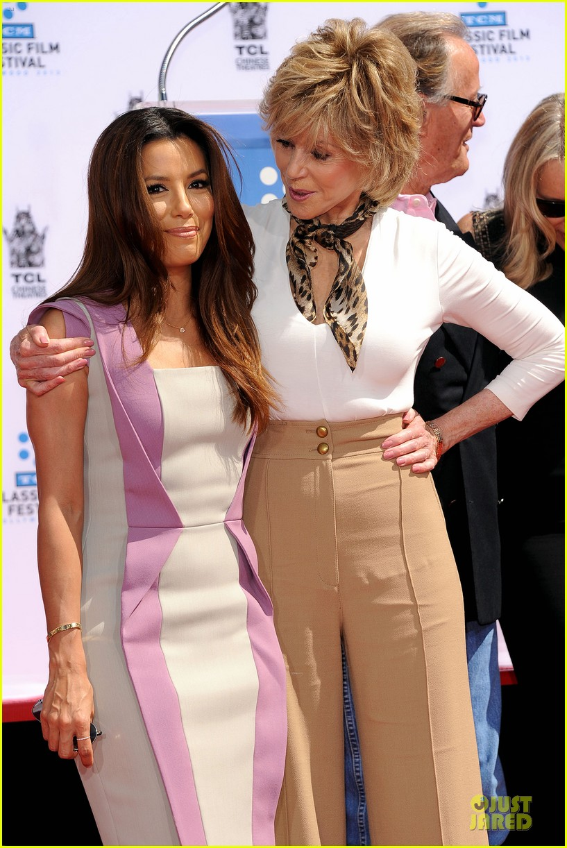 eva longoria jane fonda hollywood hand footprint ceremony 15