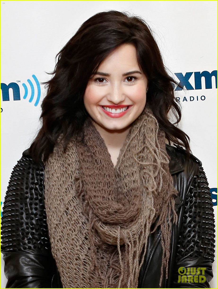 demi lovato flies to barbados after siriusxm visit 042850860