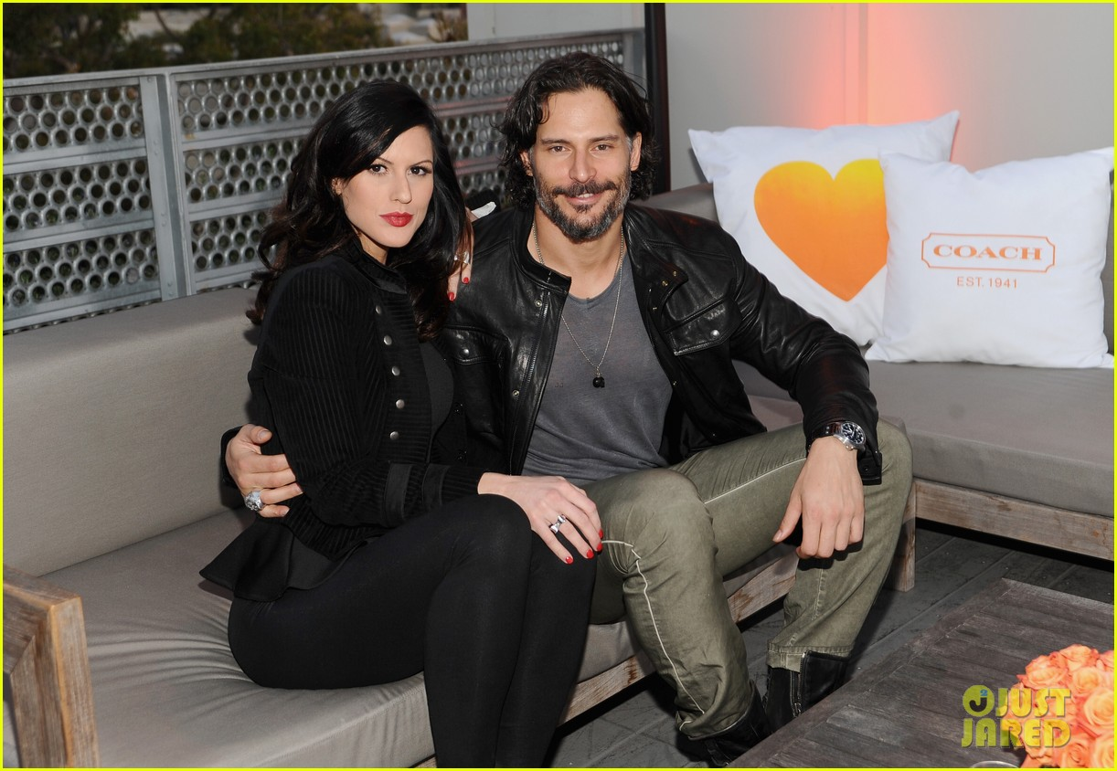 joe manganiello coachs night of shopping with bridget peters 032847611