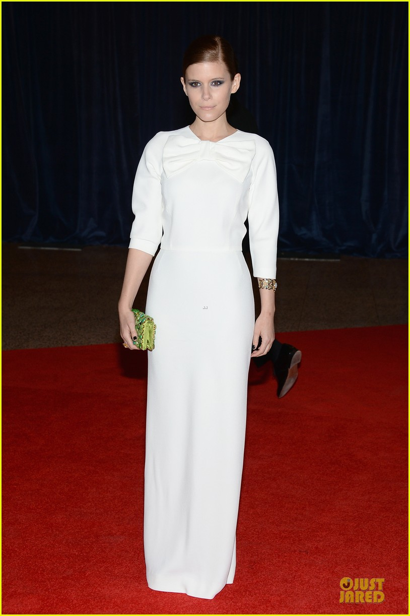 kate mara white house correspondents dinner 2013 red carpet 052859469
