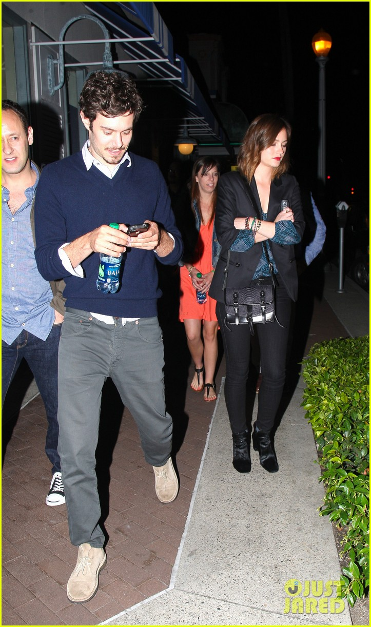 leighton meester adam brody arclight movie date with pals 032859930
