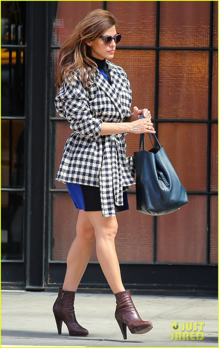 eva mendes i cant believe designers use real fur 102852801