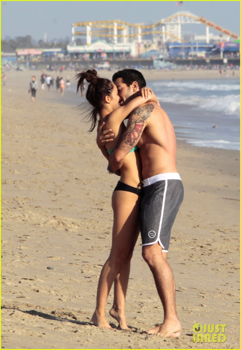 jesse metcalfe shirtless six pack beach stud 022860624
