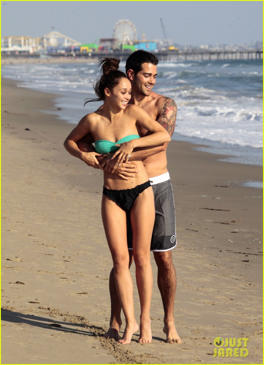 jesse metcalfe shirtless six pack beach stud 062860628