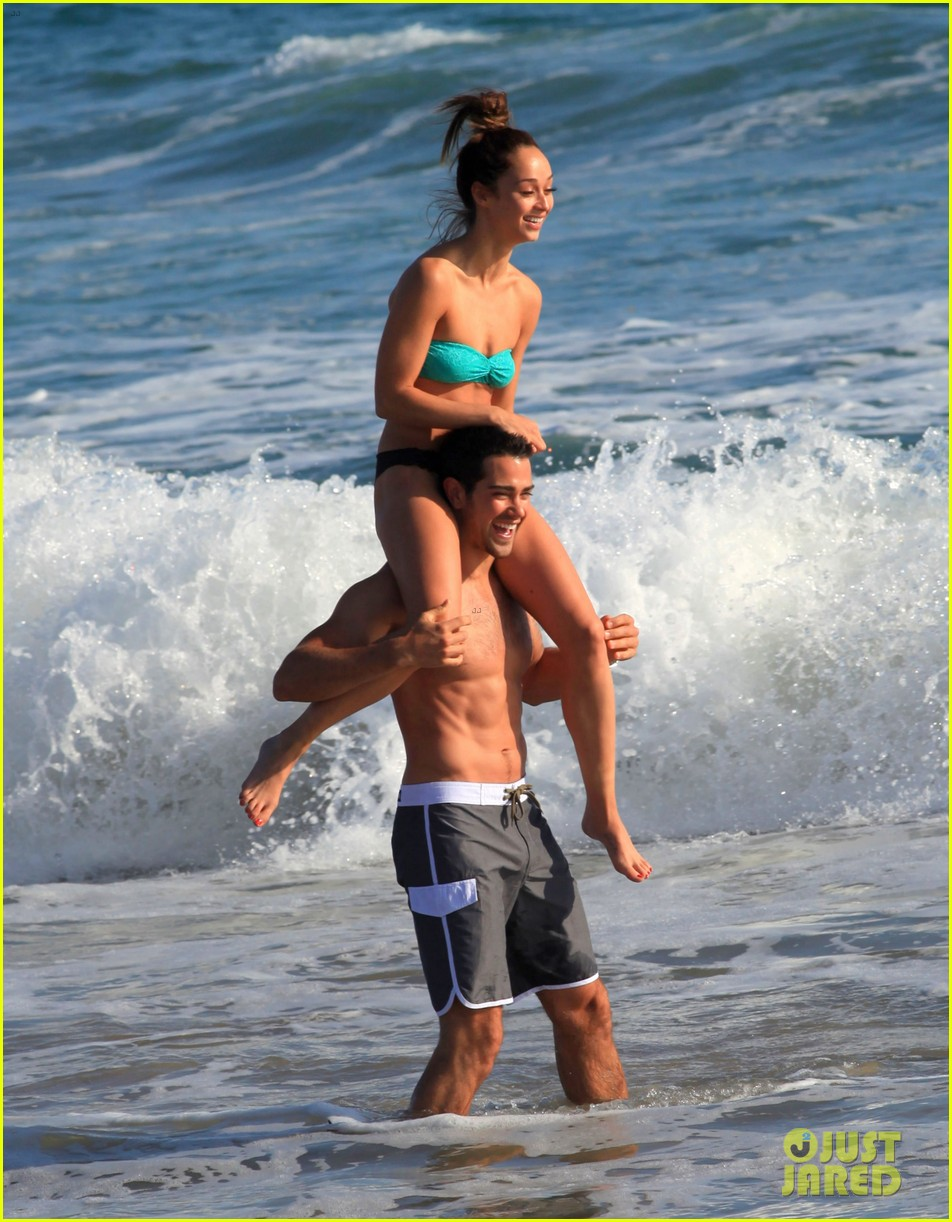 jesse metcalfe shirtless six pack beach stud 162860638