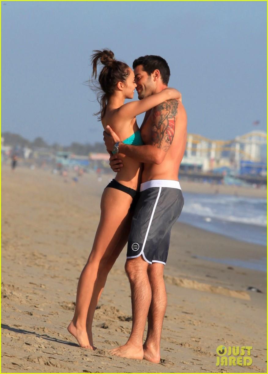 jesse metcalfe shirtless six pack beach stud 242860646