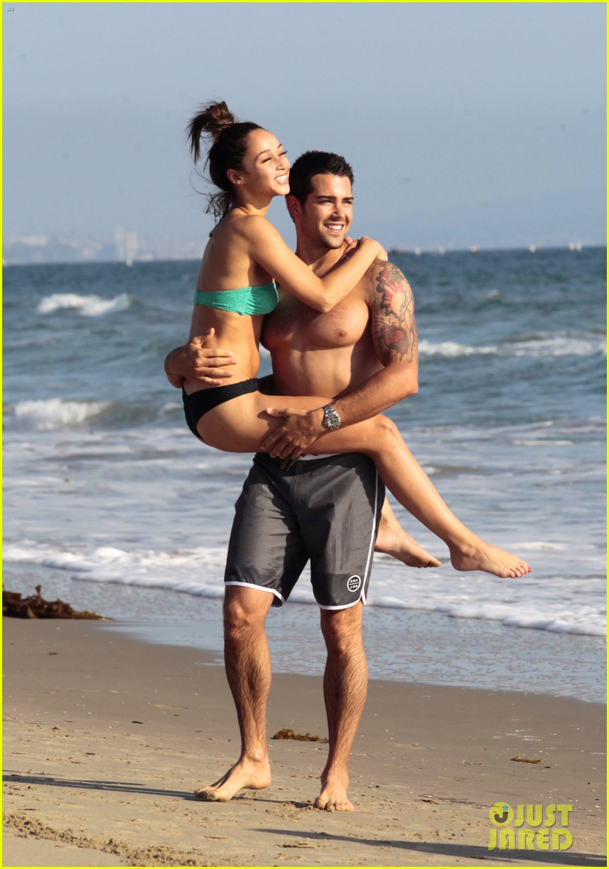 jesse metcalfe shirtless six pack beach stud 282860650