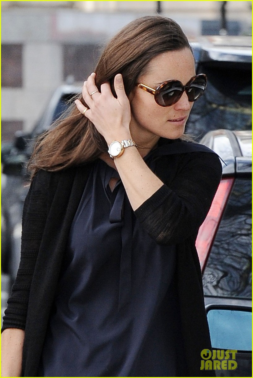Full Sized Photo of pippa middleton back in london after ...