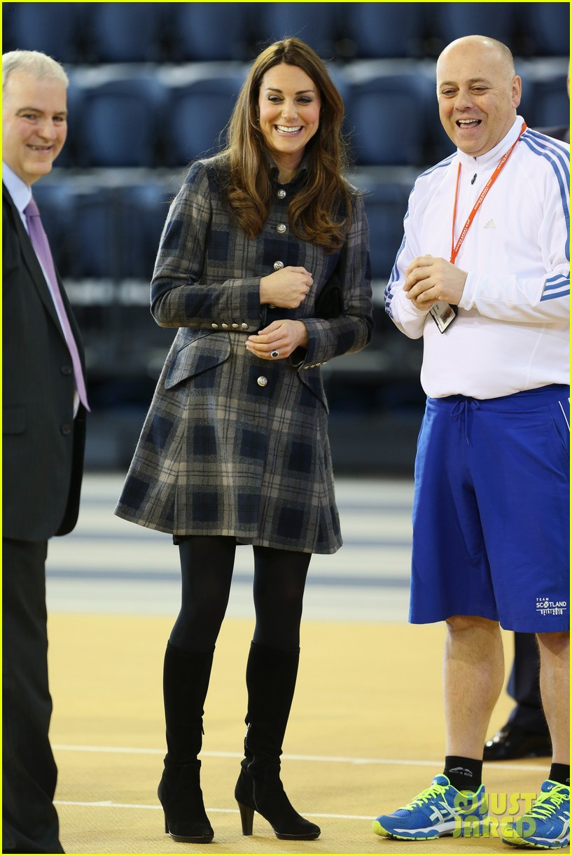 kate middleton pregnant emirates arena visit with prince william 032843106