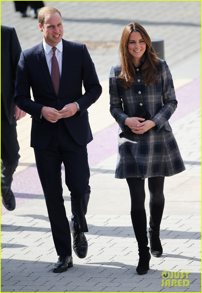 kate middleton pregnant emirates arena visit with prince william 102843113