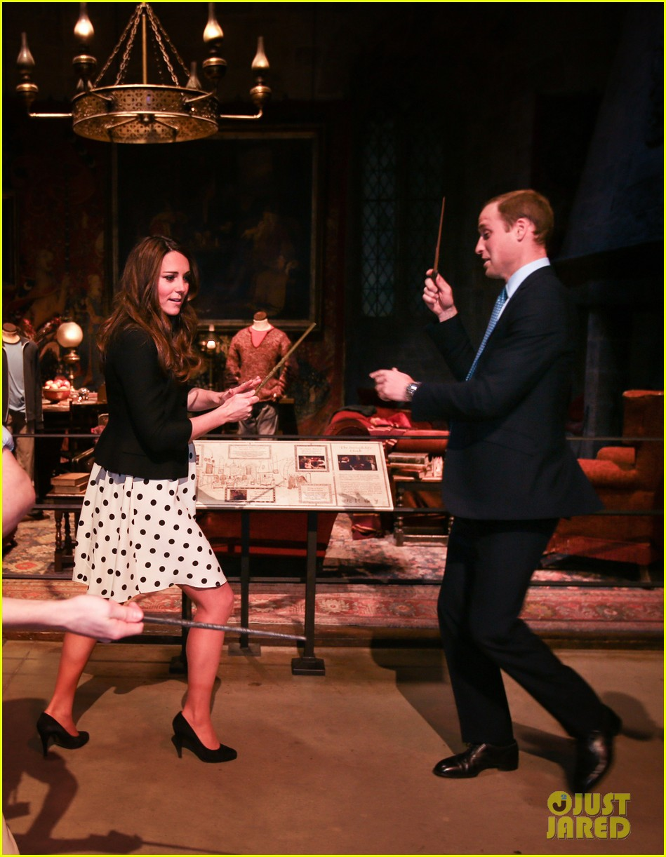 kate middleton prince william harry potter wand battle 012859032