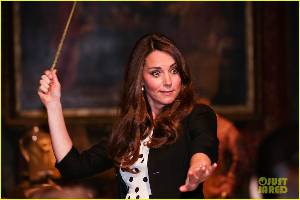 kate middleton prince william harry potter wand battle 022859033